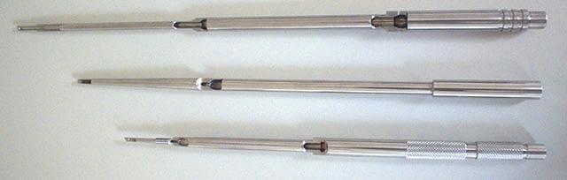 ガンドリル による 小径ガンドリルマシン / 深穴加工機 / 小径深穴加工機 による小径深穴加工